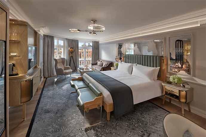Hotel Guide London - The Mandarin Oriental London   The Escort Magazine